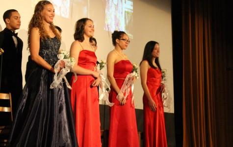 Cleveland votes for 2015 Rose Festival ambassador