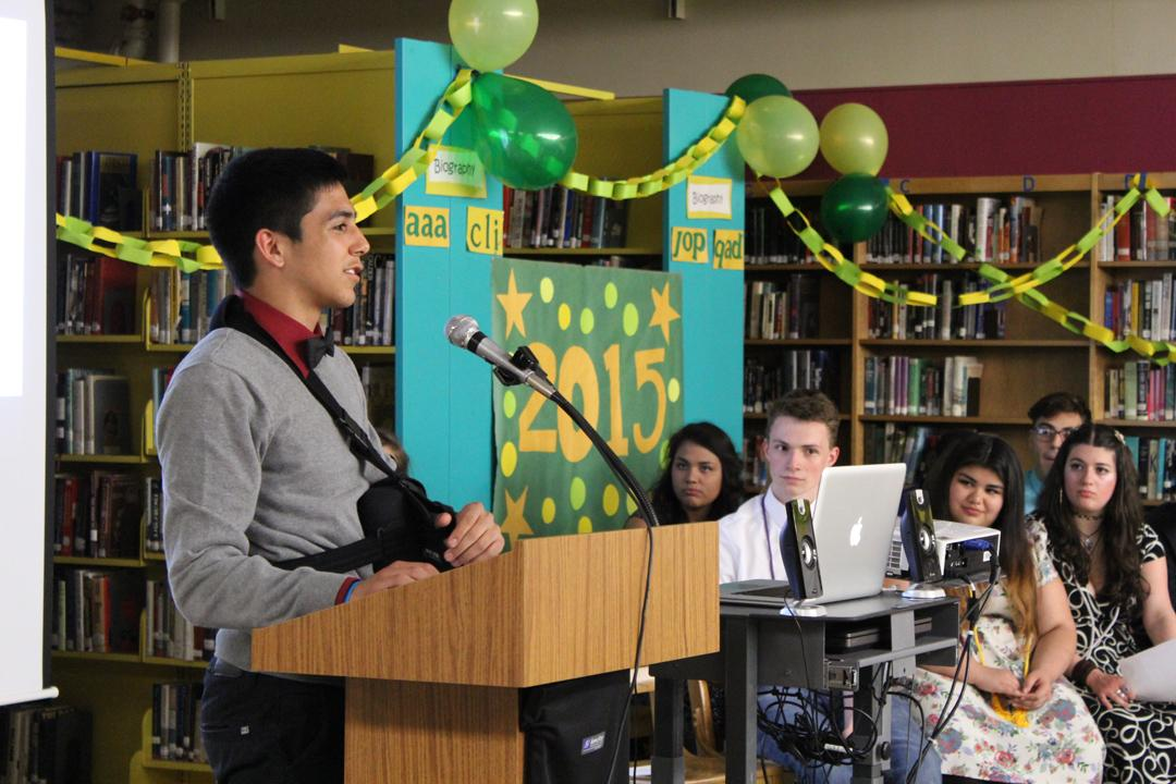 Brandon Gastelum-Plata addresses the crowd at AVID night.