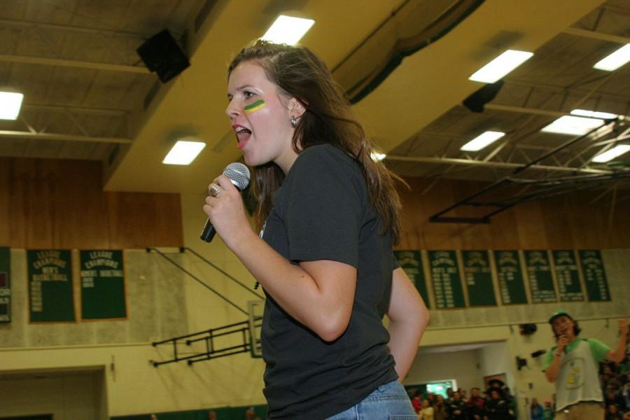 Senior Talia Deady lip syncs her heart out