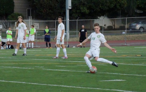 Boys soccer shuts out Newberg 2-0