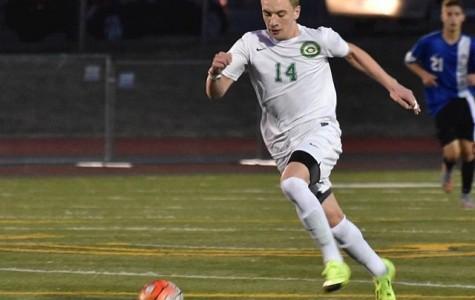 Boys soccer loses heartbreaker against Jesuit