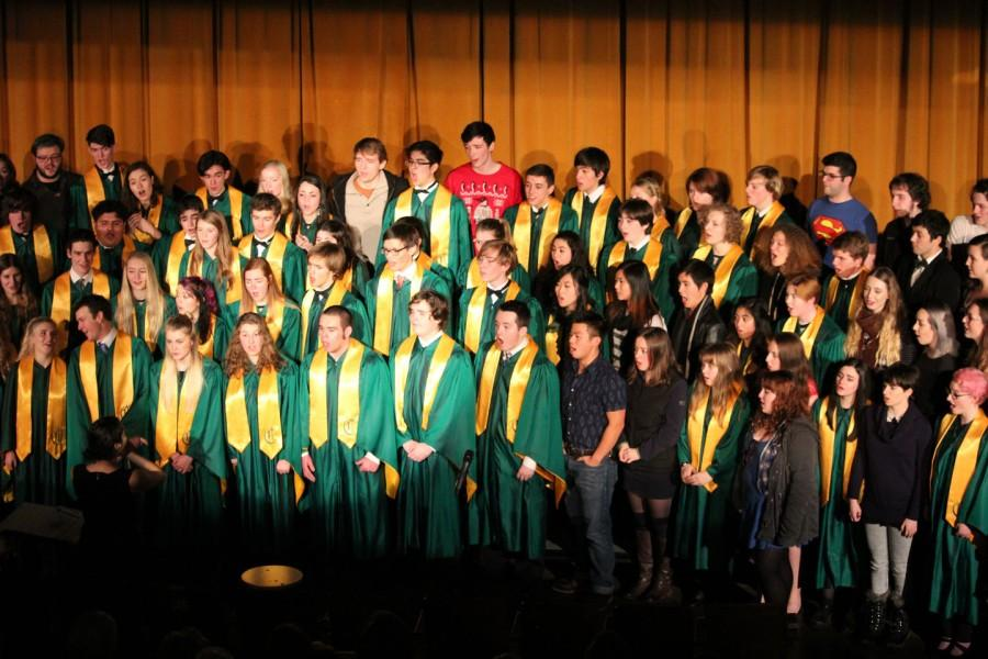 A+choir+sings+Hallelujah+with+student+alumni+