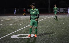 Junior, Saul Sosa looks for a pass.